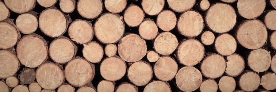 Liegender Holzstapel
