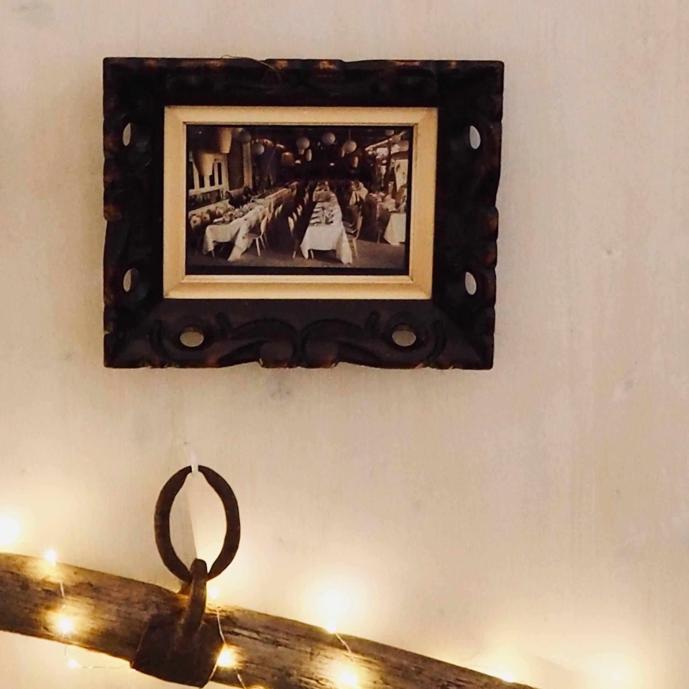 alter Bilderrahmen für den Sitzplan auf Hochzeit