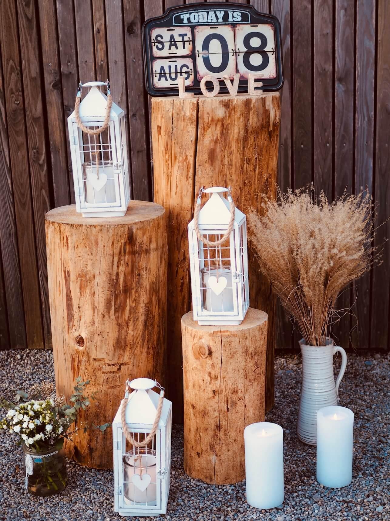 Holzstamm Deko für Rustic Wedding