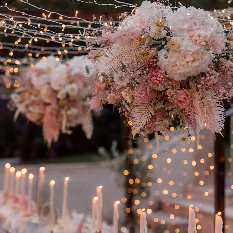 Centerpiece Trockenblumen über Hochzeitstafel