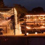 romantische Hochzeit mit Dinner Frame am Pool