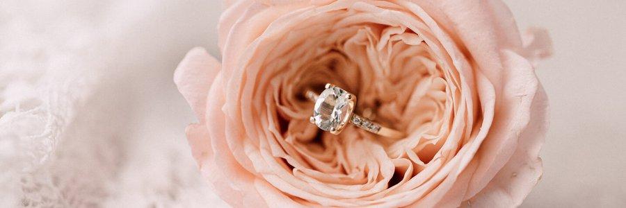 Verlobungsring in Rose
