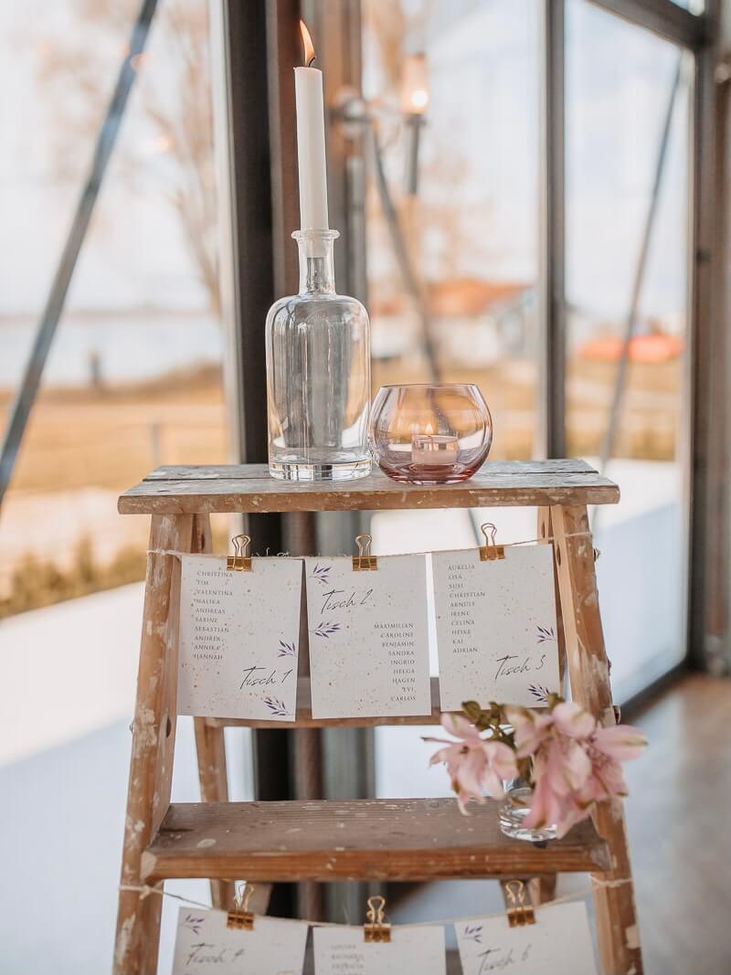 Leiter als Sitzplan für Hochzeit